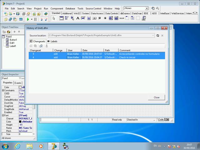 Caixa de diálogo de histórico de versões, mostrando dois changesets selecionados