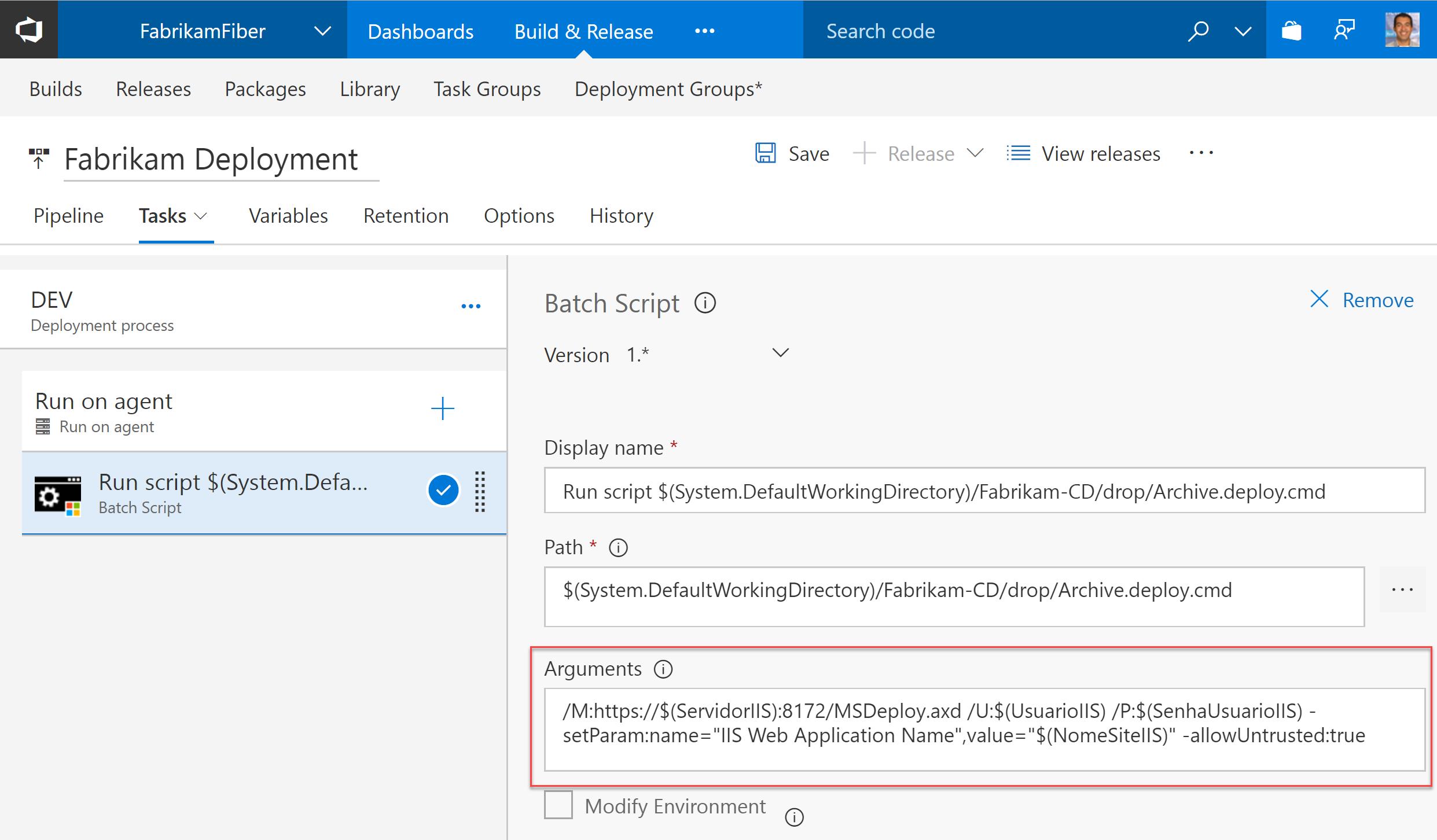 Task de Batch Script com a chamada ao script de Web Deploy. Note o argumento /M, com a indicação do URL apontando para o Web Deployment Handler no servidor de destino