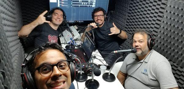 Victor Hugo, Giovanni, Quaiato e Brandão gravando o podcast