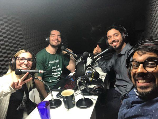 Vanessa, Giovanni, Victor Cavalcante e Victor Hugo gravando o episódio