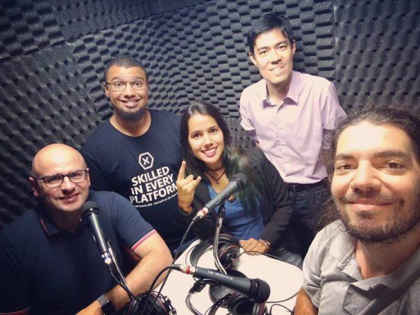 Elemar, Lucas, Grazi, Koji e Giovanni no estúdio