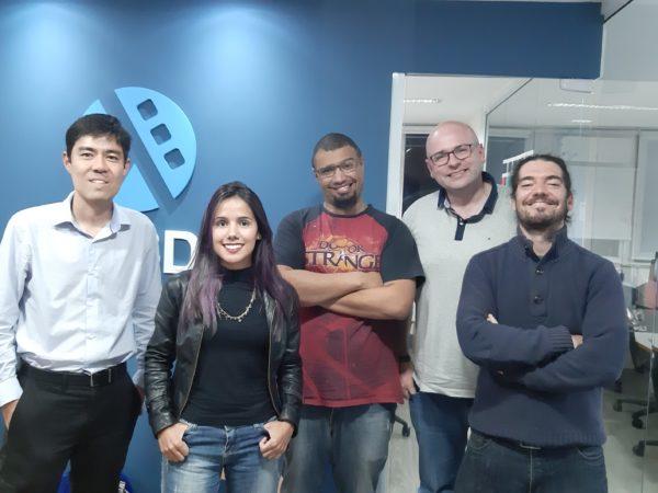 Koji, Grazi, Lucas, Elemar e Giovanni na Lambda3